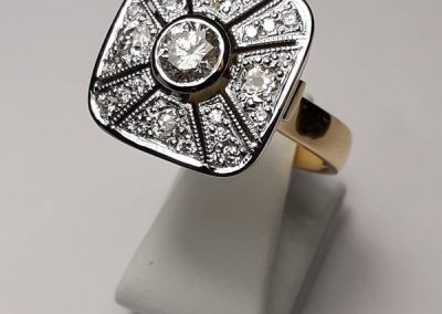 18ct Diamond Dress Ring